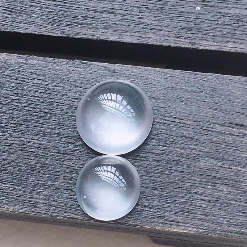 【缅甸a货翡翠高冰蛋面一对,玉质莹润,光性强,形体佳 尺寸8.3*3.7        6.8*3】图3