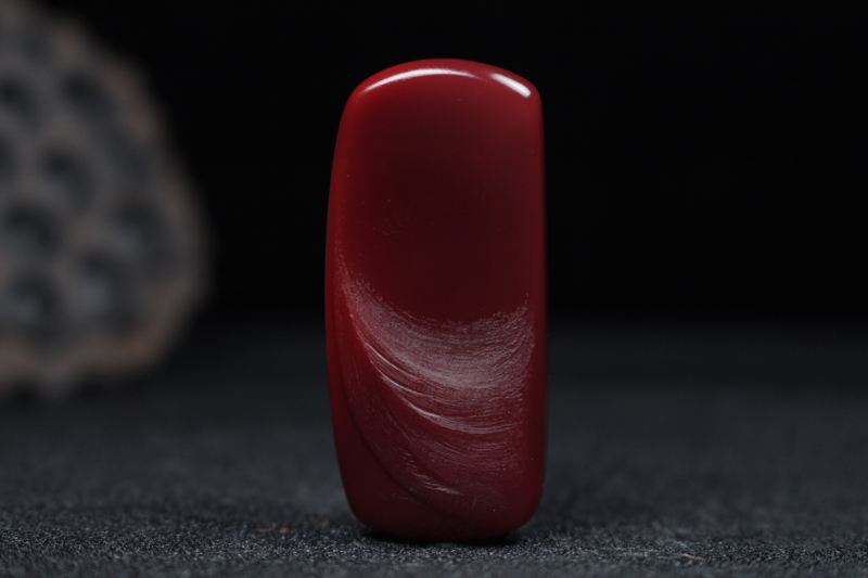 【【龙牌】玫瑰红浅浮雕刻龙牌,龙韵威武霸气盘踞而上,细节刻画清晰,线条流畅自然,龙鳞做磨砂光,柔亮结合更显层次感,整件无胶无裂。】图3