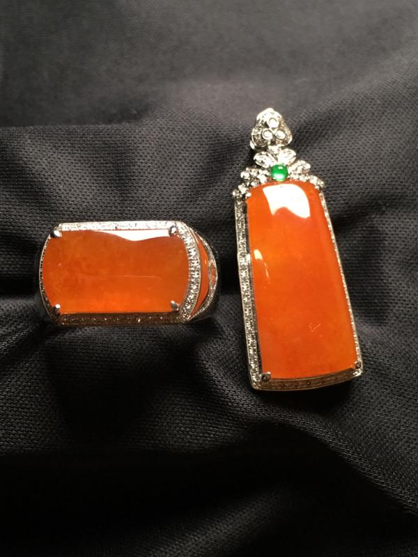 【翡翠A货,黄翡套装 无事牌吊坠🈴️马鞍戒指,18k金伴钻镶嵌,完美,种水超好,性价比高。】图8