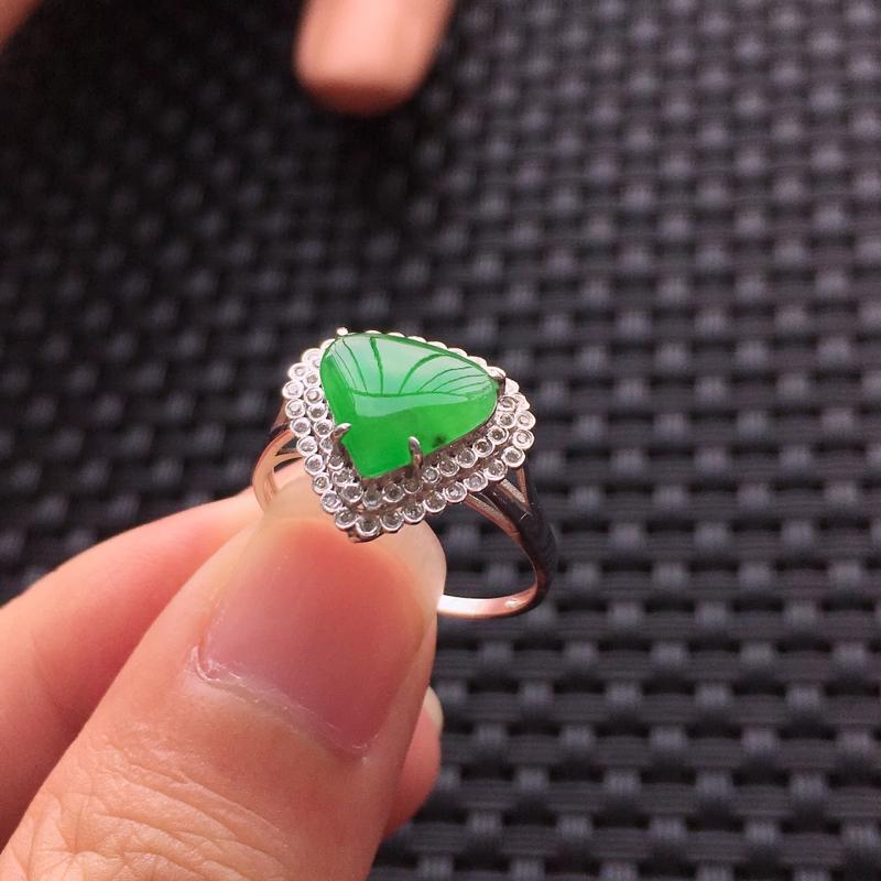 【天然A货翡翠满绿戒面镶嵌18K金戒指、圈口17、戒面尺寸9.5*8.5*1.5、无纹裂】图9