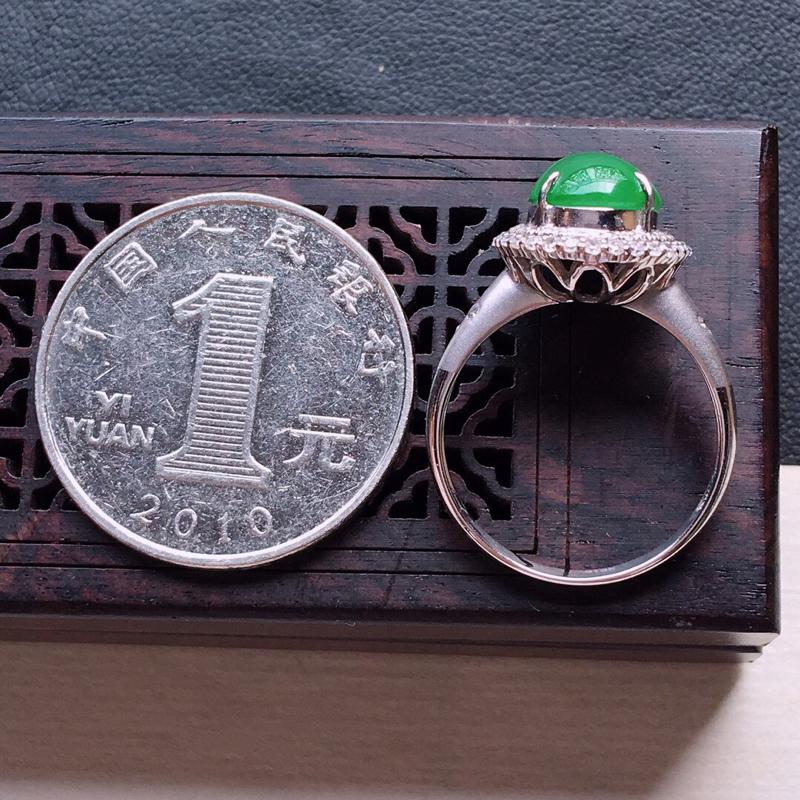 【18k金镶嵌双围钻满绿蛋面戒指,   料子细腻,雕工精美,颜色漂亮,  圈口:17mm  含金尺寸:14.5×12×9mm   裸石尺寸:10.5×8×4mm】图8
