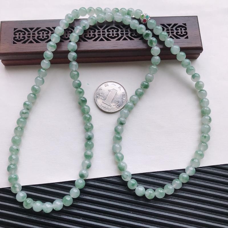 【天然翡翠A货糯化种飘绿精美圆珠项链,尺寸6.6mm,玉质细腻,种水好 胶感十足,底色漂亮,上身效果漂亮】图7