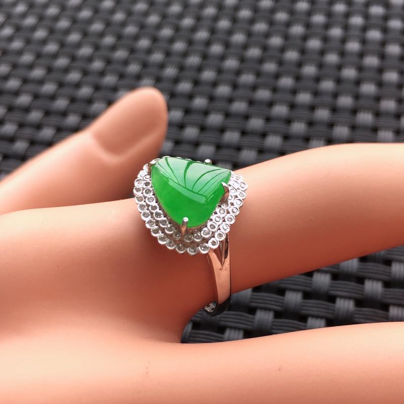 【天然A货翡翠满绿戒面镶嵌18K金戒指、圈口17、戒面尺寸9.5*8.5*1.5、无纹裂】图7