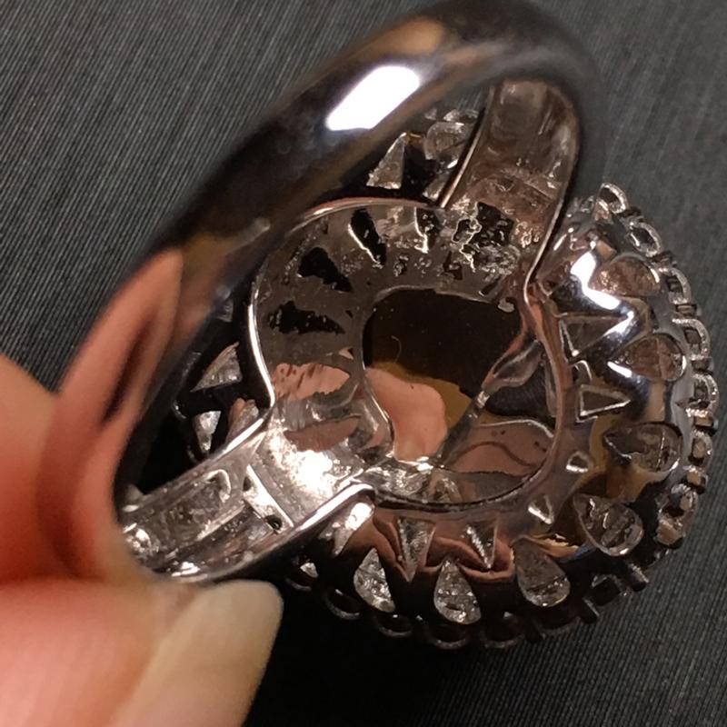 【翡翠A货,阳绿蛋面戒指,18k金伴钻镶嵌,完美,种水超好,性价比高。整体尺寸:18.5*16*10.3】图5