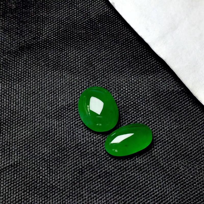 【🌹满绿随型裸石:种老水足,色泽漂亮,干净起光,饱满精致,完美无裂,性价比高。尺寸:9.0--7.2--4.0  9.0--5.2--3.3】图2