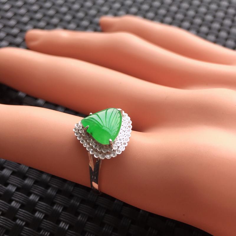 【天然A货翡翠满绿戒面镶嵌18K金戒指、圈口17、戒面尺寸9.5*8.5*1.5、无纹裂】图5