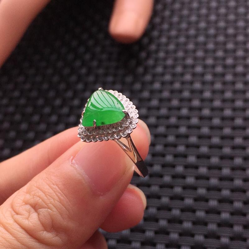 【天然A货翡翠满绿戒面镶嵌18K金戒指、圈口17、戒面尺寸9.5*8.5*1.5、无纹裂】图11