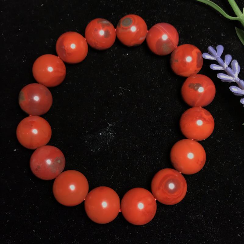 南红包浆柿子红【圆珠手串】颗颗纯手工圆磨,大小均匀,原矿无胶,天然自带包浆,越盘越润,手串质感好,纹