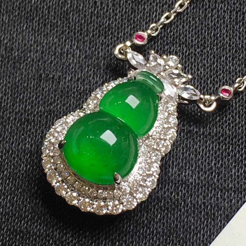 满绿葫芦锁骨链吊坠,18k金镶嵌,种水一