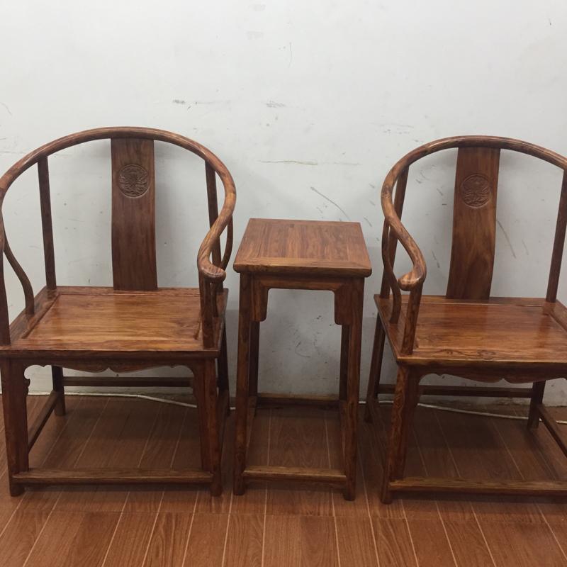 海南黄花梨一套圈椅,材质一流,纹路清晰自然,底色干净,高960宽610×470mm,克重54斤