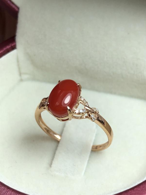【阿卡红珊瑚戒指💍】日本阿卡材料,适合中等手型14号圈口者,蛋面深红色,精致款!光泽水嫩柔润透亮,裸