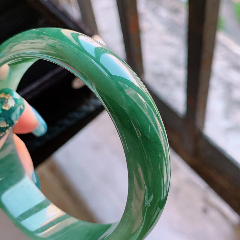【1108老坑精美满绿正装A货翡翠宽条手镯 尺寸56.8-15.2-7mm###】图9