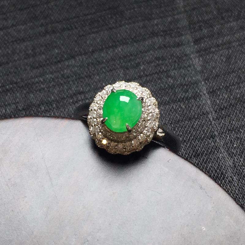 满绿蛋面戒指💍经典款,18k伴钻镶嵌,种水一流,佩戴精美,饱满圆润,性价比高