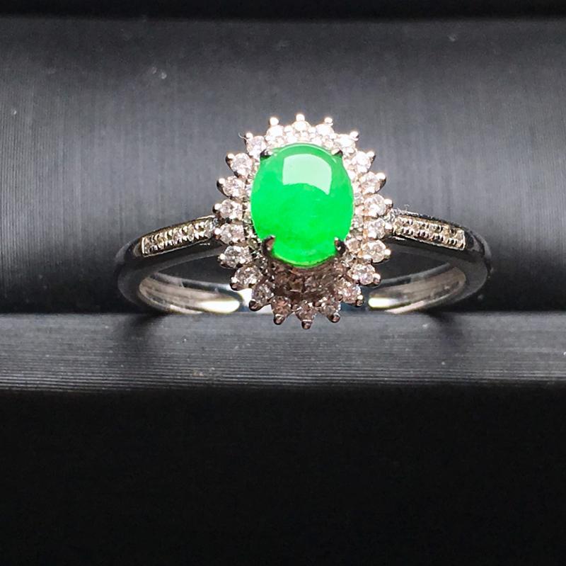 天然a货翡翠 阳绿蛋面戒指 18k金镶嵌 玉质细腻 饱满圆润 裸石尺寸6.1*4.7*2.5整体尺寸