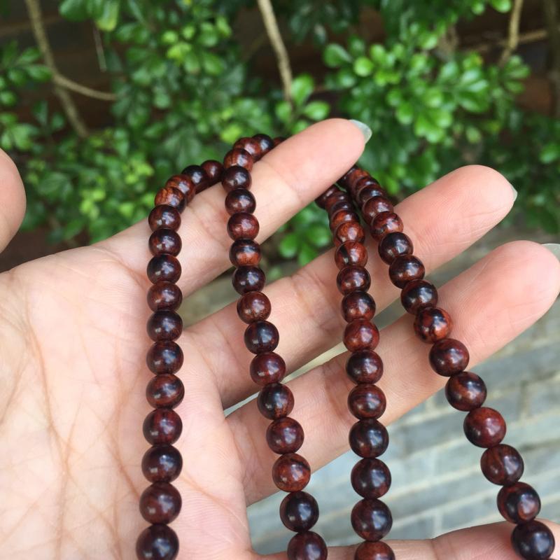 【海南黄花梨老油梨0.6/108颗精美小念珠,材质细腻光滑,颗颗精挑细选,十多年的纯手工艺,做工完美。克重30g,】图11