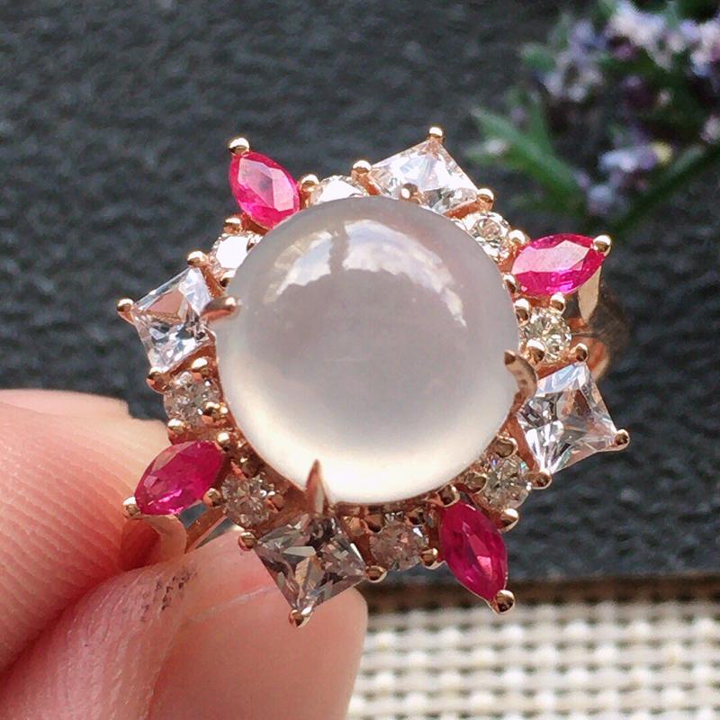 精品翡翠18K镶嵌伴钻戒指,雕工精美,玉质莹润,尺寸:内径:16.5MM,裸石尺寸:8.9*8.8*