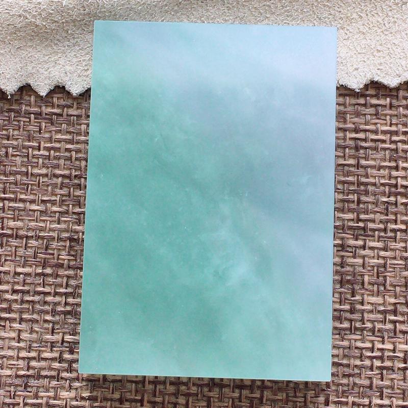 【自然光实拍,缅甸a货翡翠,冰润素面牌,种水好,玉质细腻,通过,颜色漂亮,形体好,厚装,镶嵌佳品】图3