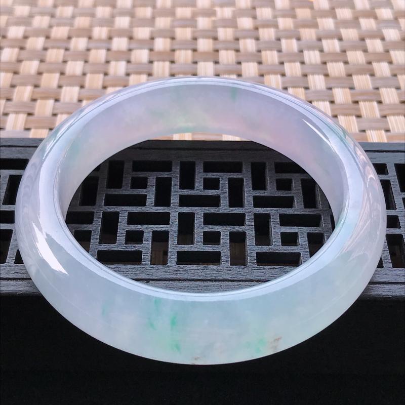 冰种紫罗兰正装手镯、圈口56.7/14.4/9.6,玉质细腻水润,条形大方,种水好,佩戴效果极佳
