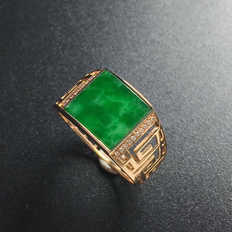 糯种满色方形镶嵌戒指 18K金带钻镶嵌 内径17.2毫米 宽10 厚2毫米 玉质水润