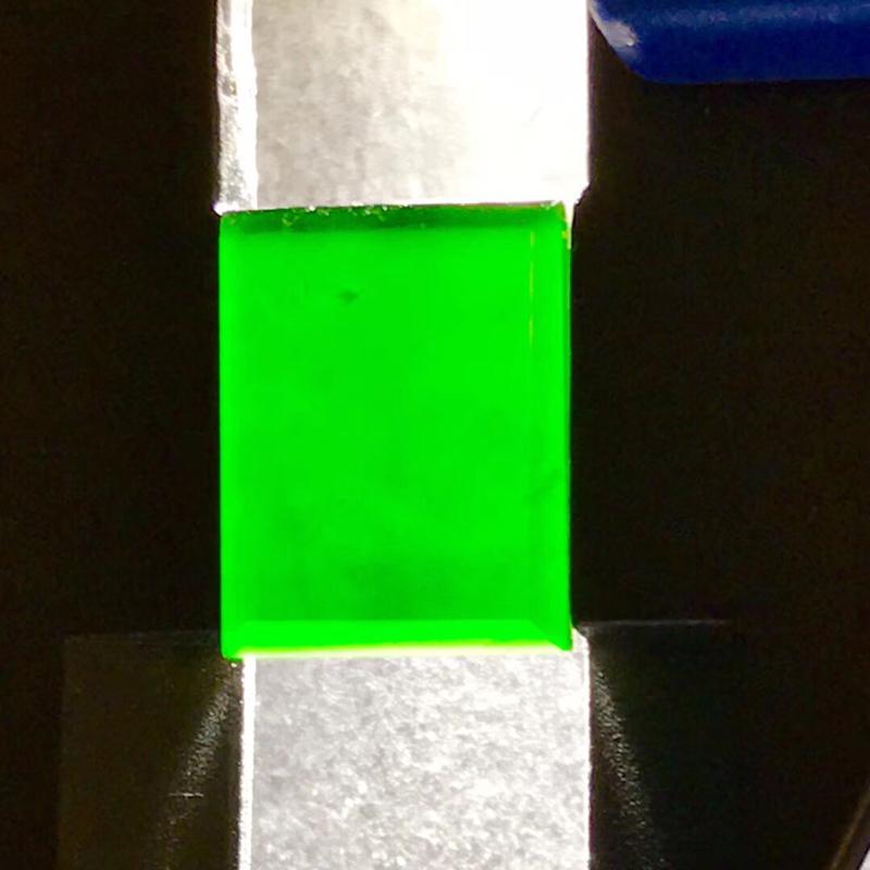 墨翠【戒面】完美无裂纹,细腻干净,黑度极黑,性价比高,雕工精湛,打灯透绿 !
