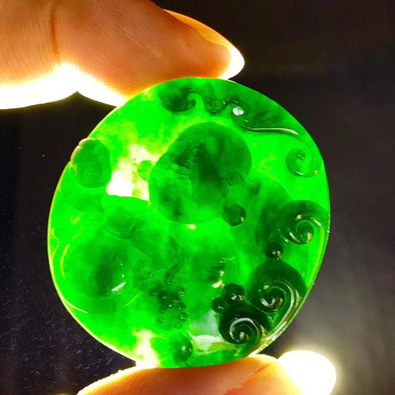墨翠【逍遥佛】完美无裂纹,细腻干净,黑度好,性价比高,雕工精湛,打灯透绿