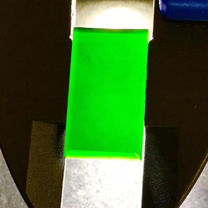 墨翠【戒面】完美无裂纹,细腻干净,黑度极黑,性价比高,雕工精湛,打灯透绿