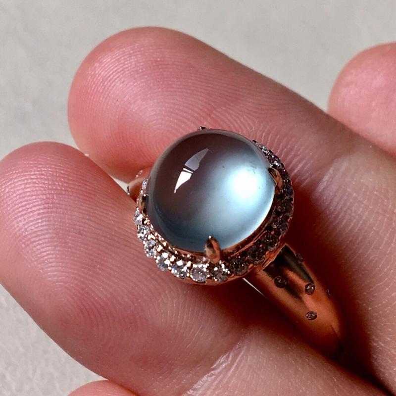 高冰种戒指。完美。水头足。裸石尺寸9.3/8.8/4.6