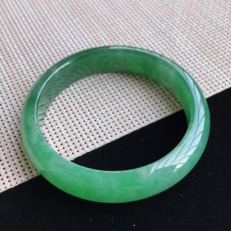 圈口56-57mm天然翡翠A货老坑糯种满绿正圈手镯,圈口:56.5×13.5×7.5mm,料子细腻,