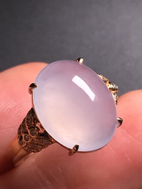 翡翠A货,高冰蛋面戒指,18k真金真钻镶嵌,完美,种水超好,玉质细腻。