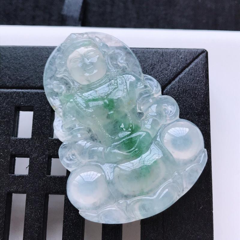 【天然翡翠A货。冰糯种飘绿花渡母娘娘吊坠。冰润通透,品相极佳。尺寸:55*39.5*6.5mm】图2