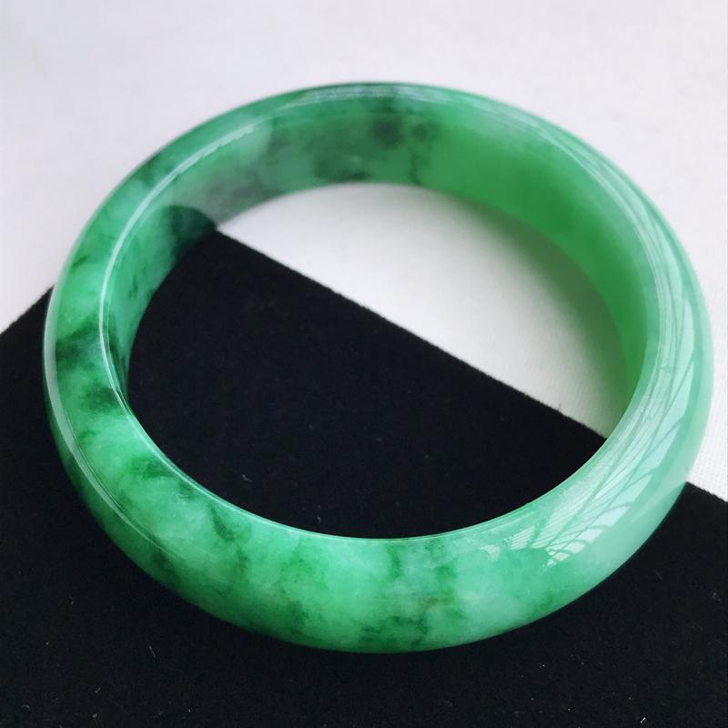 圈口57-58mm天然翡翠A货老坑糯种飘绿正圈手镯,圈口:57.2×14.2×8.2 mm,料子细腻