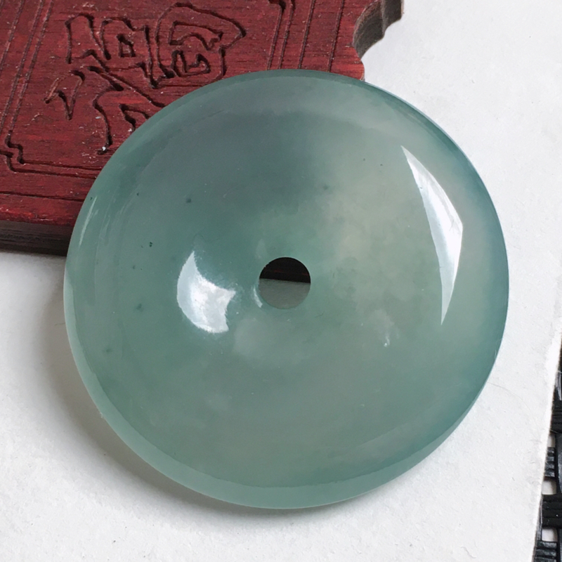 天然翡翠A货-种好油绿平安扣吊坠_种好,玉质细腻,水头饱满,形体漂亮,水润精致,上身效果极佳,尺寸3