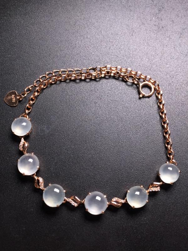 翡翠A货,高冰蛋面手链,18k真金真钻镶嵌,完美,种水超好,玉质细腻。
