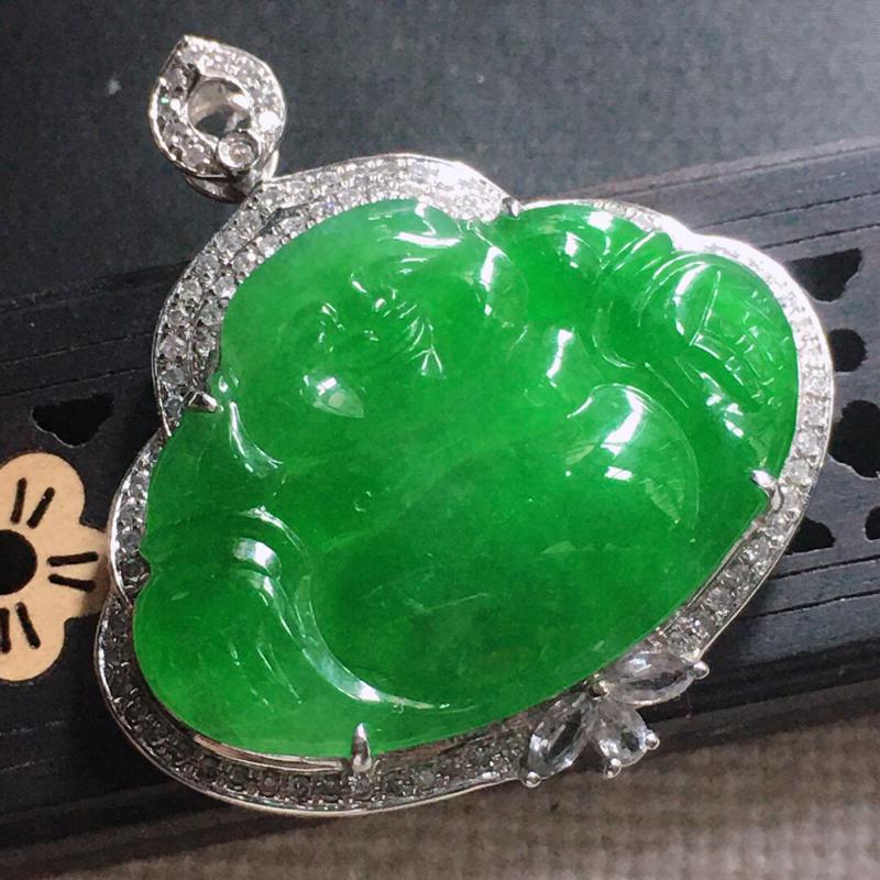 缅甸翡翠18k金围钻镶嵌满绿佛公吊坠,自然光实拍,颜色漂亮,玉质莹润,佩戴佳品,包金尺寸:35.3*