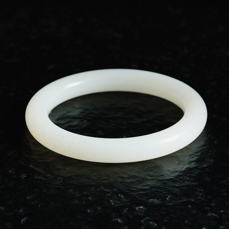 【芊芊玉镯】新疆和田玉手镯,羊脂级白度,玉质细腻白润,脂粉一流,54.3mm圈口,品相上乘,美美佳人