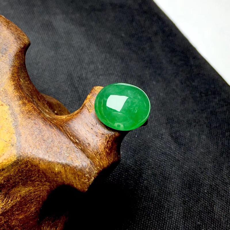 🌹缅甸满绿蛋面裸石:种老水足,色泽漂亮,干净起光,圆润饱满,透光有棉根,圆圆满满,财源滚滚寓意佳,无