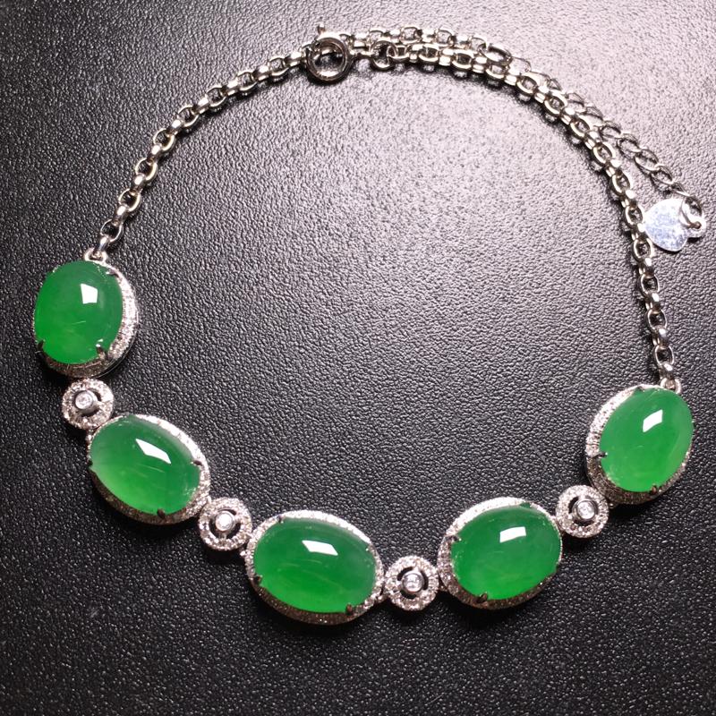 翡翠A货,满绿蛋面手链,18k金伴钻镶嵌,完美,种水超好,性价比高。