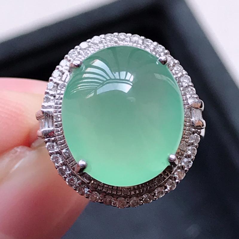 1117,18k精雕完美好种晴绿戒指,裸石尺寸 :  12.8*11.2*4,镶金尺寸:16.8*1
