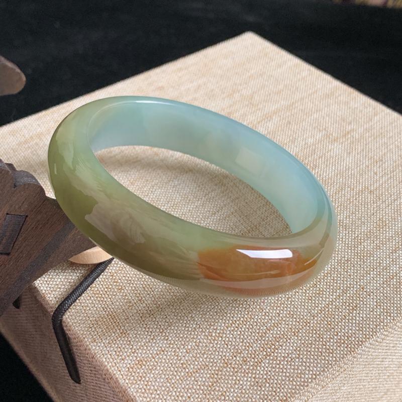 天然A货翡翠_水润蜜糖黄翡翠正圈手镯54.2mm,料子细腻,水润秀气,色彩鲜艳,条形优雅,上手效果好