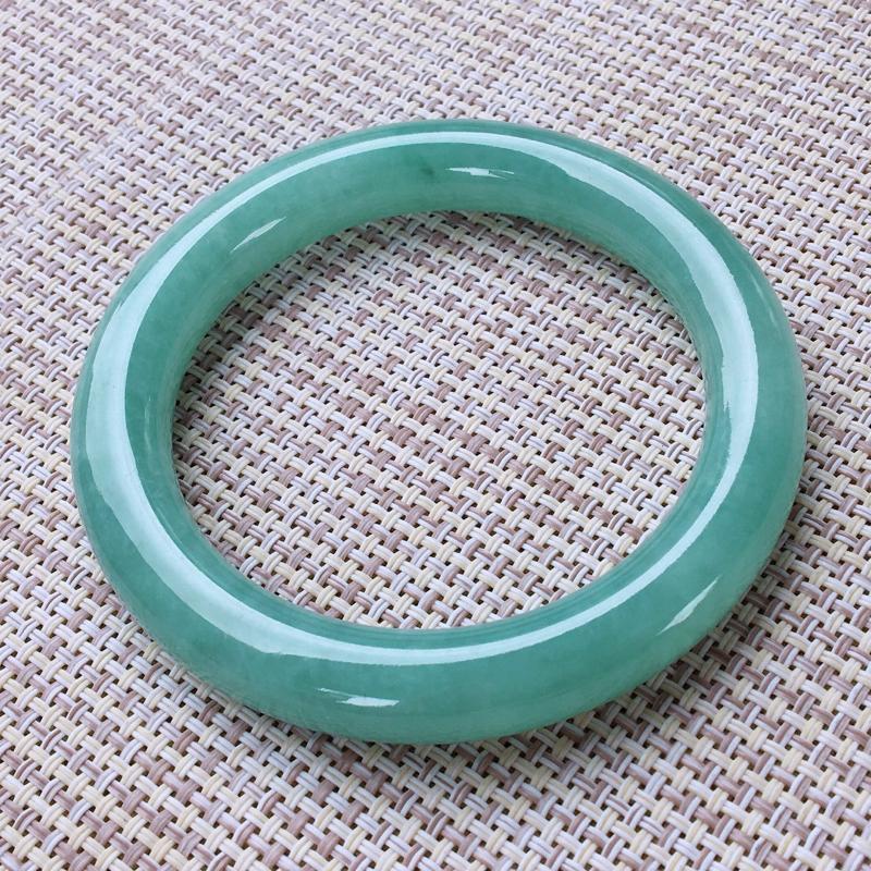 圆条57,天然A货翡翠-水润起胶感,清秀浅绿,质地细腻,圆条玉手镯 ,尺寸圈口57.0/10.7 1