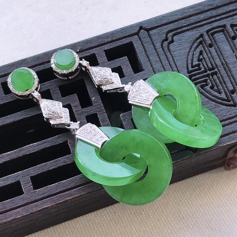 满绿平安环翡翠耳坠一对-整体尺寸40.9-14.6-3mm裸石14.6-14.6-3.0mm质地细腻