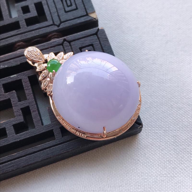 紫罗兰蛋面翡翠吊坠,整体尺寸37.6-23.4-16.0mm裸石尺寸23.6-22.2-10.2mm