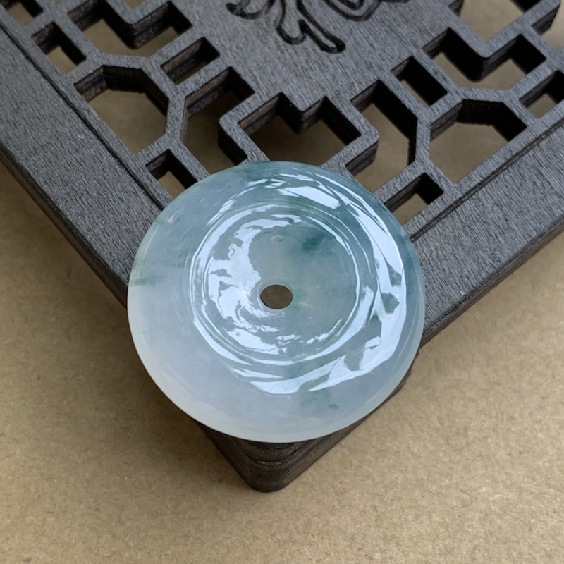 【A货翡翠  冰种飘花平安扣吊坠    尺寸27*6.4mm 种水好,莹润通透,雕工精美,飘花灵动】图3