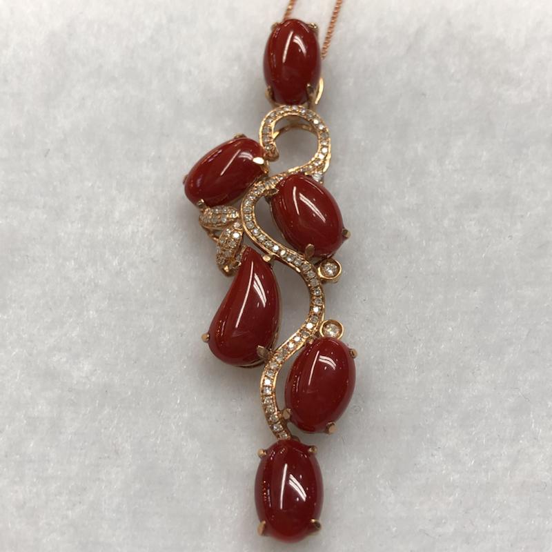 【红珊瑚好事连连吊坠款】日本阿卡材料,牛血红颜色的蛋面,18k真金➕钻石连接6⃣️颗戒面大的红珊瑚。