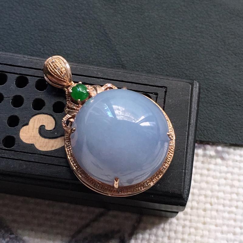 缅甸翡翠18K金伴钻镶嵌紫罗兰蛋面吊坠,颜色好,玉质细腻,雕工精美,佩戴送礼佳品,包金尺寸:29.3