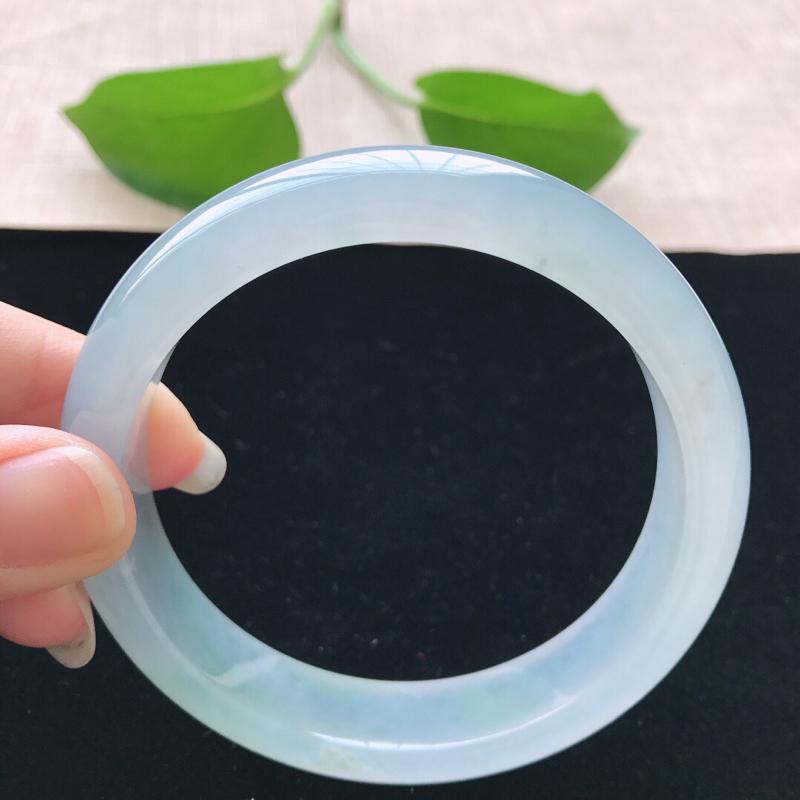 【正圈:57.3。天然翡翠A货。冰糯种晴绿手镯。水润通透,佩戴清秀优雅。尺寸:57.3*13*8mm】图6