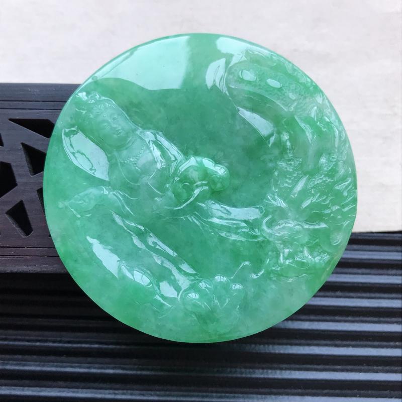 天然翡翠A货细糯种满绿精美观音吊坠,尺寸53.2-4.6mm,玉质细腻,种水