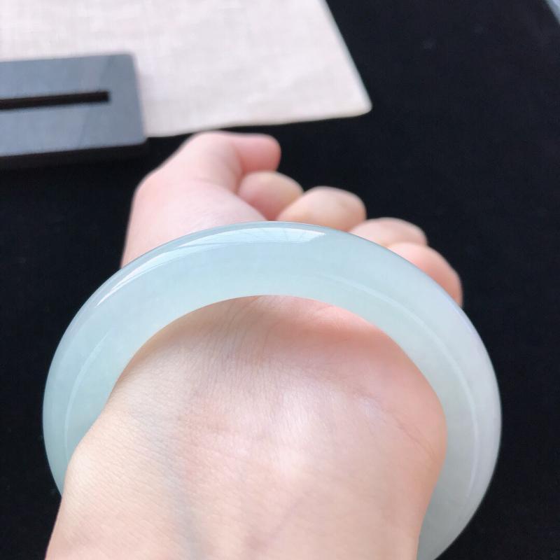 【圆条:54.5。天然翡翠A货。冰糯种底色圆条手镯。水润通透,佩戴高贵优雅。尺寸:54.5*11.3mm】图9