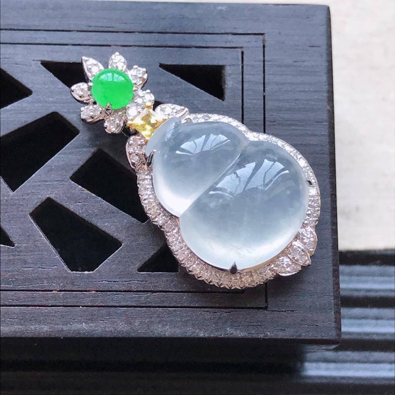 天然翡翠A货18K金镶嵌伴钻冰糯种白冰精美葫芦吊坠,含金尺寸28.5-