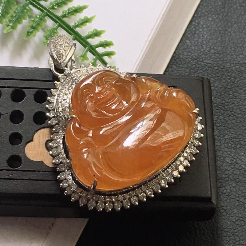 缅甸翡翠18K金伴钻镶嵌褐黄色佛公吊坠,颜色好,玉质细腻,雕工精美,佩戴送礼佳品,包金尺寸: 32.